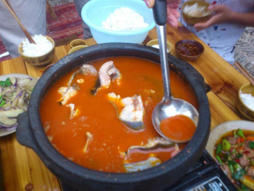 贵州有名的酸汤鱼